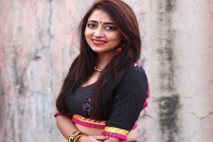 Kairavi Buch is called Garba Queen of Gujarat