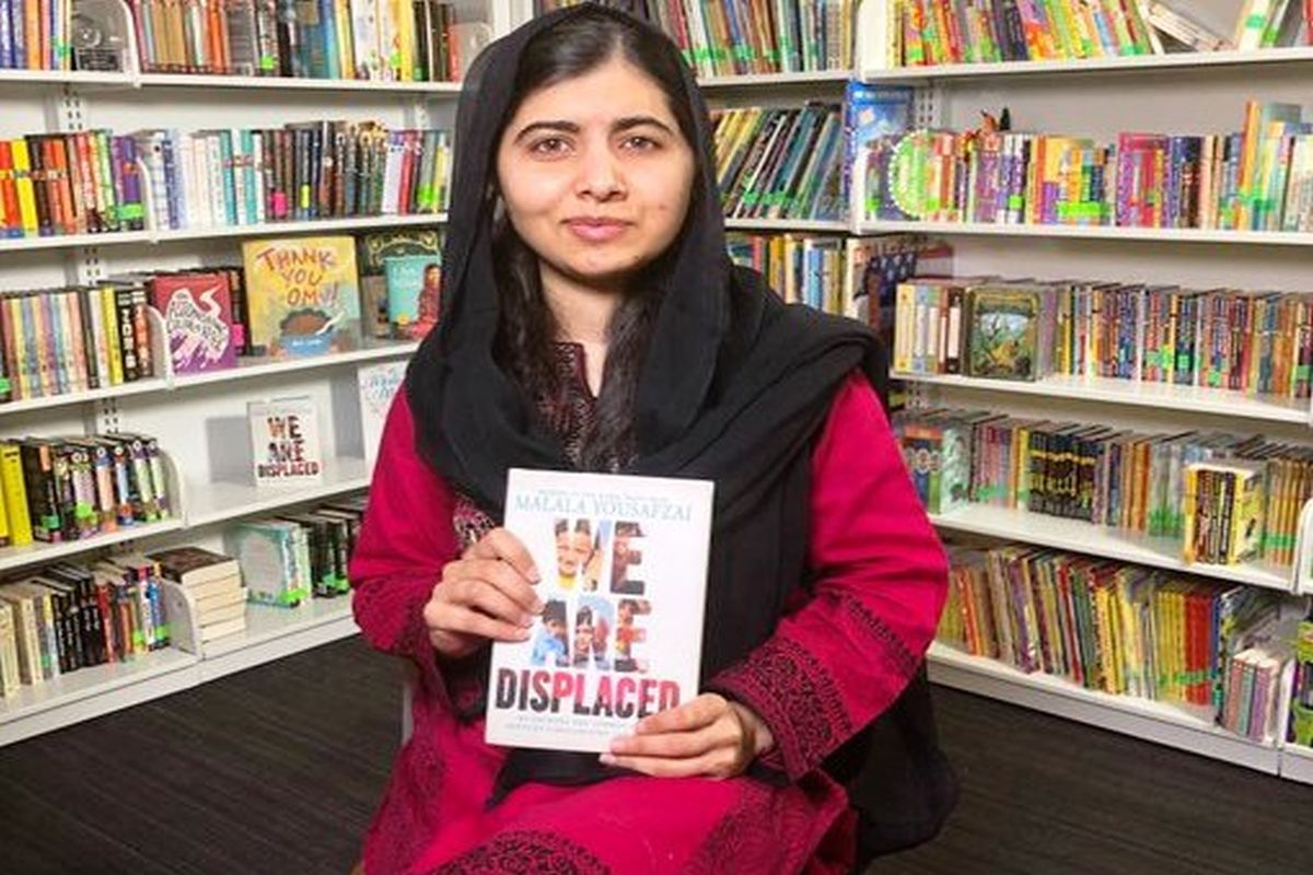 Books and Pens, Malala Yousufzai, Taliban