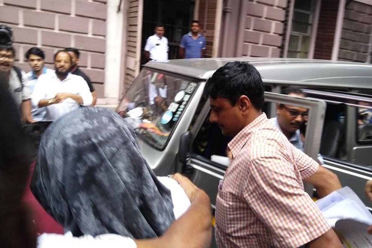 Raghib Parvez, Kolkata, Kolkata Police, Jaguar, Motor Vehicles Act, Dubai, Bengal, Bangla, West Bengal