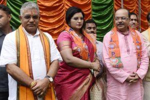 Mukul Roy rushes to Sovan Chatterjee residence