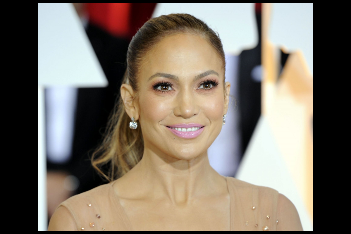 Learning pole dancing was difficult: JLo