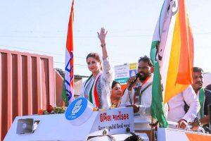 Mumbai North leaders 'accountable', says Milind Deora after Urmila Matondkar quits Cong