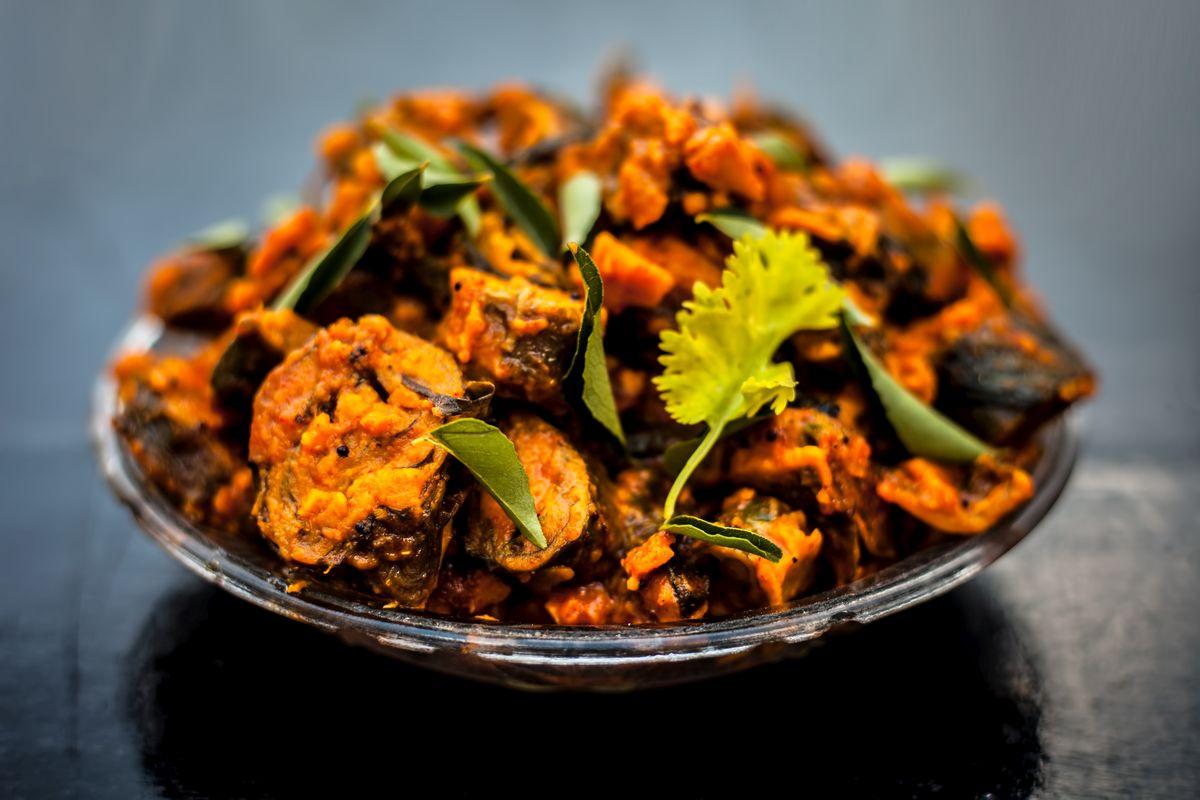 Arbi recipe, recipe, masala arbi, Indian breads, fried, paratha, poori, chapatti, Carom seeds, method, preparation, serves