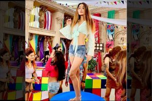 Sara Khan shoots video for new song