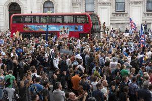 Thousands protest against parliament suspension in Britain