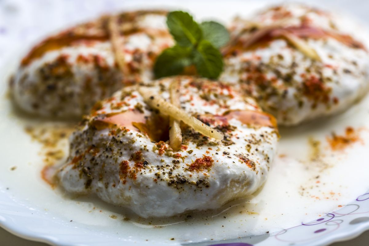 How to make soft and fluffy 'Dahi Bhalla' at home?