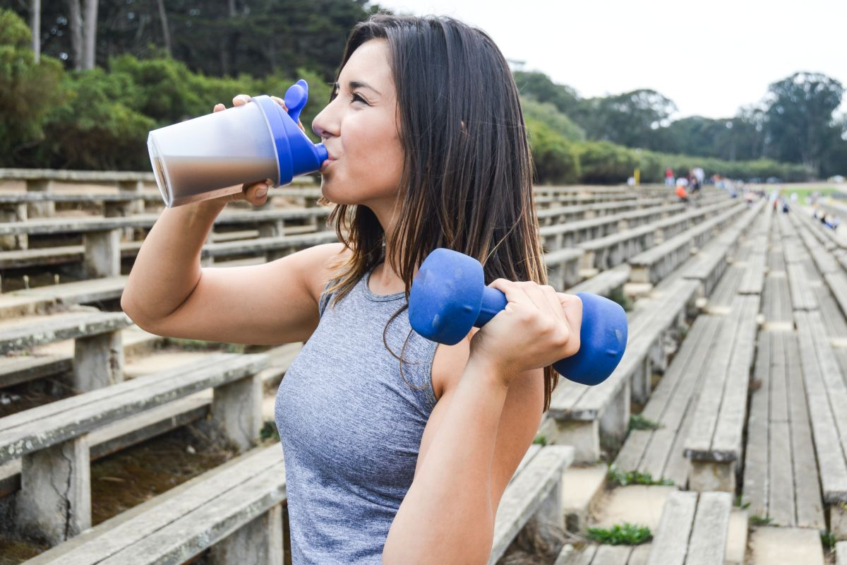 Protein shakes, post-workout, carbohydrate, muscle soreness, Human Kinetics, Health