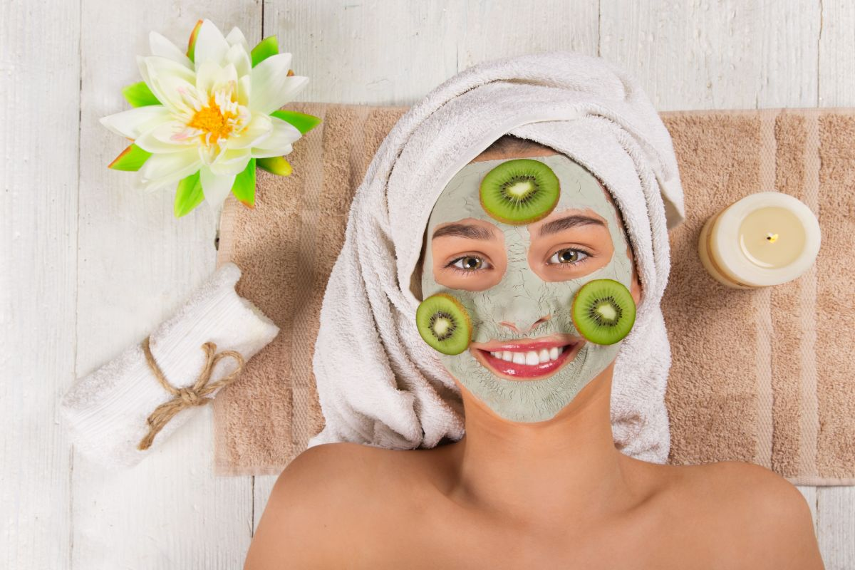 Festivals, Skin, Avocado and apricot mask, Apple Cider Vinegar and sour cream face pack, Papaya-banana face mask, Homemade face packs, Oat meal face-honey mask, Lemon-cucumber-tomato-potato juice face mask,
