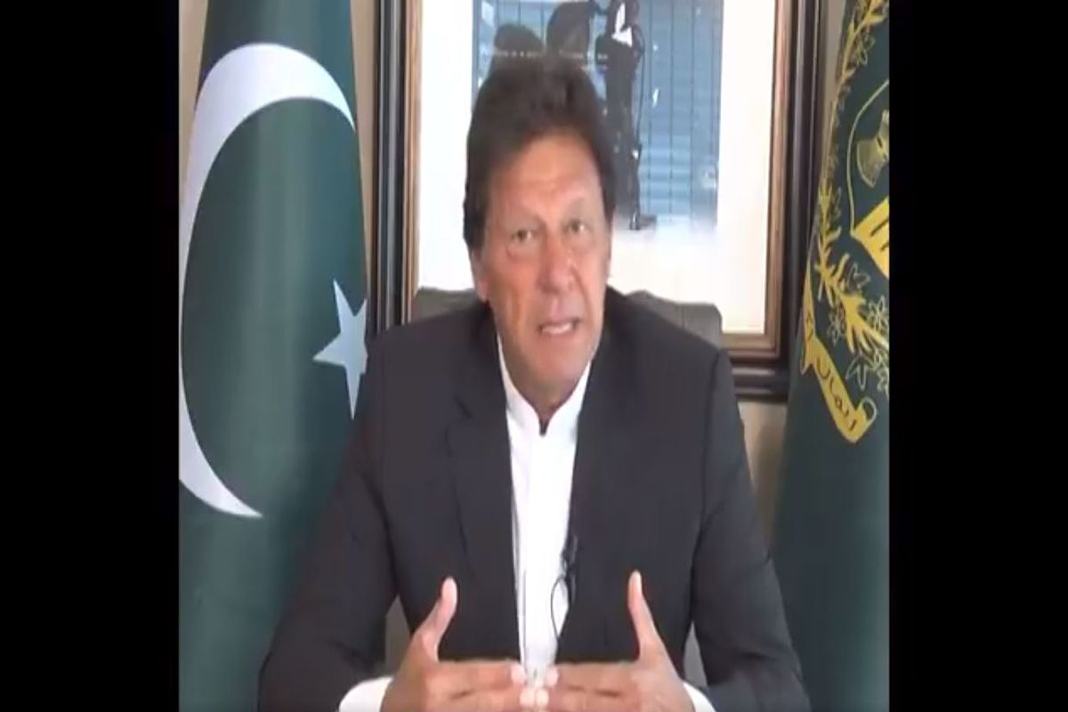 Imran dials MBS to condemn attack on oil facilities