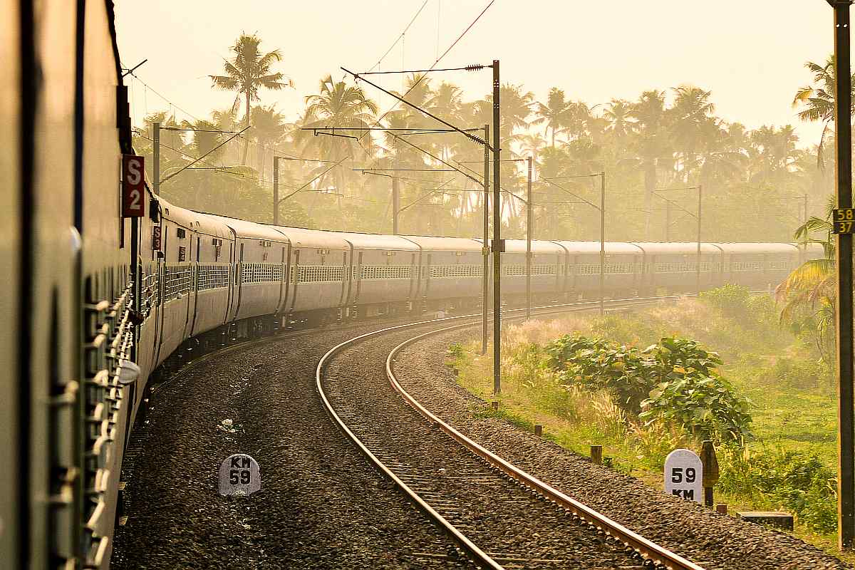 KMC to send notice to Railways to clean up premises