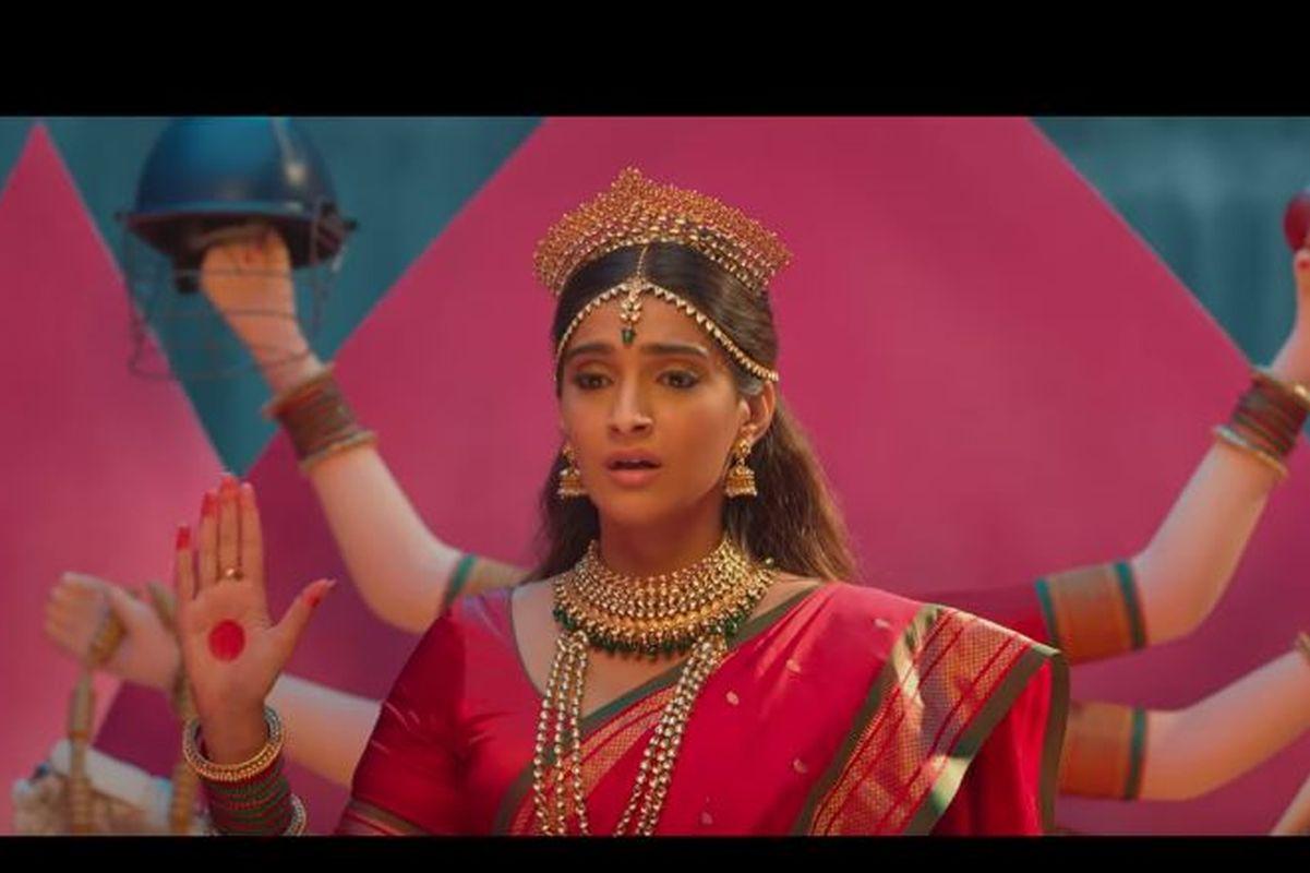Lucky Charm, SRK, The Zoya Factor, Abhishek Sharma, Angad Bedi, Sanjay Kapoor, Dulquer Salmaan,Sonam Kapoor, Raghuvir Yadav, Shankar Mahadevan