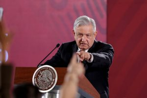 Mexican, US presidents discuss bilateral development over call