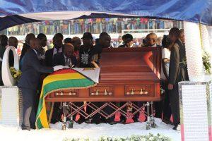 Ex-Zimbabwe leader Robert Mugabe's family agree to bury him in national monument