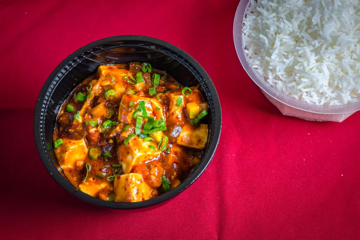 Chilli Paneer, restaurant style , recipe, Indo-Chinese restaurant, grill paneer, paneer cubes, Indian cottage cheese, appetiser