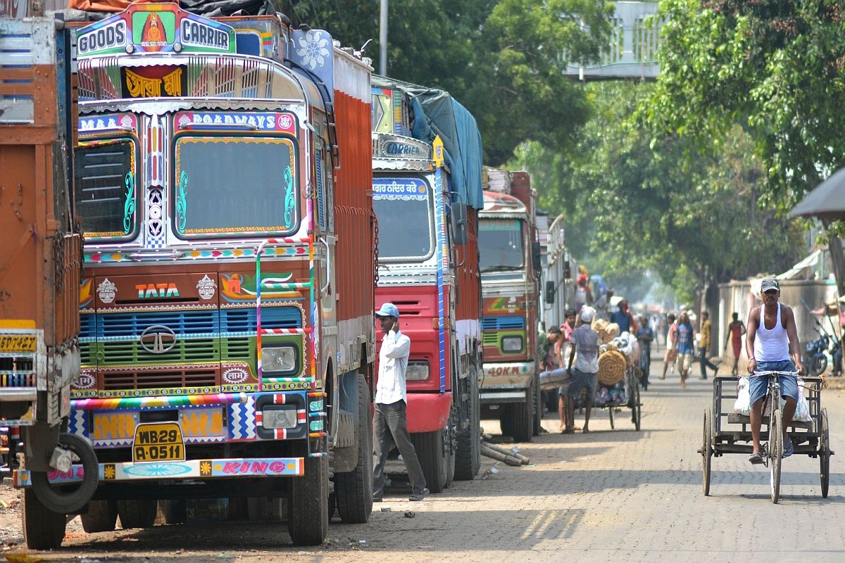 Delhi: Truck driver, owner fined over Rs 2 lakh for overloading, traffic violations