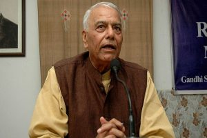 Former BJP leader Yashwant Sinha asked to return from Srinagar Airport