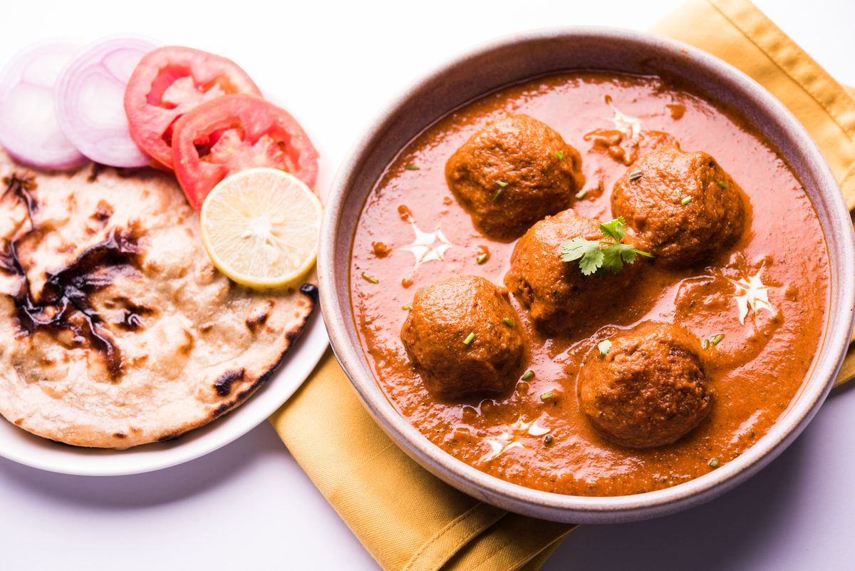 malai kofta, recipe, North Indian dish, paneer koftas, vegetarians, Koftas, tips, tomato-based gravy,