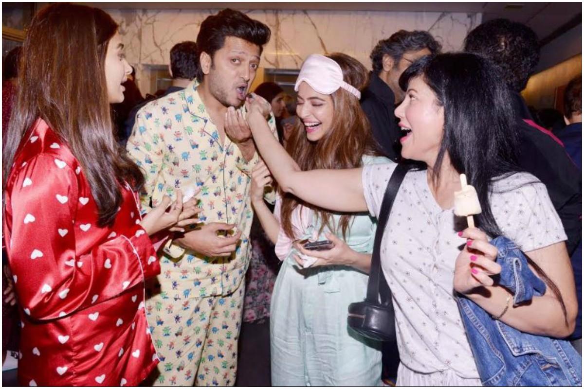 Housefull 4, Sajid Nadiadwala, Akshay Kumar, Wardha Nadiadwala, Kriti Sanon, Pooja Hegde, Kriti Kharbanda, Bobby Deol, Riteish Deshmukh, Johnny Lever, Jamie Lever, Farhad Samji, Pyjama party,