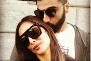 Arjun Kapoor and Malaika Arora's PDA picture goes viral on social media