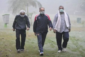 Delhi air to be 'very poor' from Tuesday; CM requests others states to prevent stubble burning