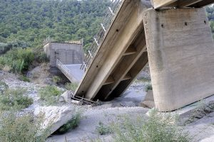 Shoddy works blamed for bridge collapse
