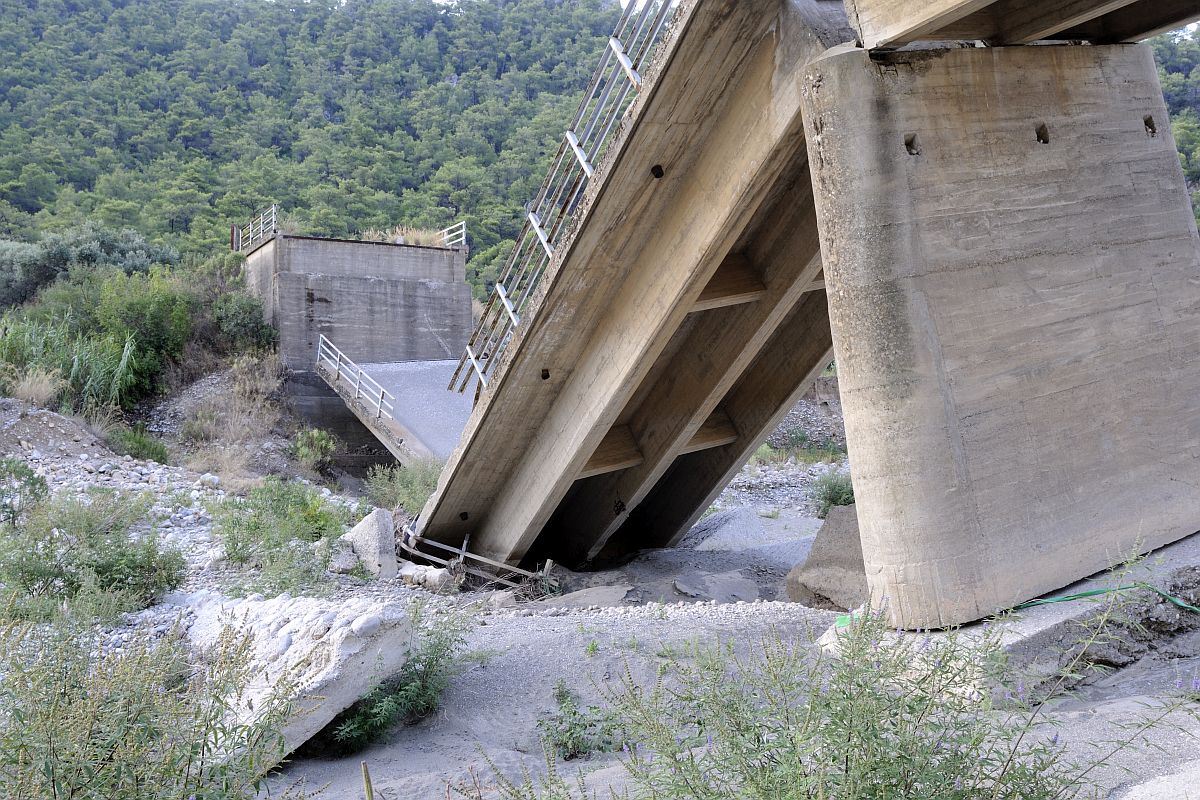 Junagarh, Gujarat, bridge collapse, Malanka village, 12 injured, DM, Dr Saurabh Pardhi,