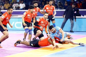 Pro Kabaddi League Season 7: Bengal Warriors pip U Mumba to face Dabang Delhi in final