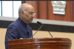 President Kovind rushes to help policewoman who twisted her ankle