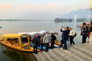 Amid clashes, violence, EU MPs assess situation in Kashmir, take boat ride in Dal Lake