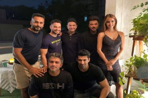 Disha Patani, Anil Kapoor party with co-stars after Malang wrap-up