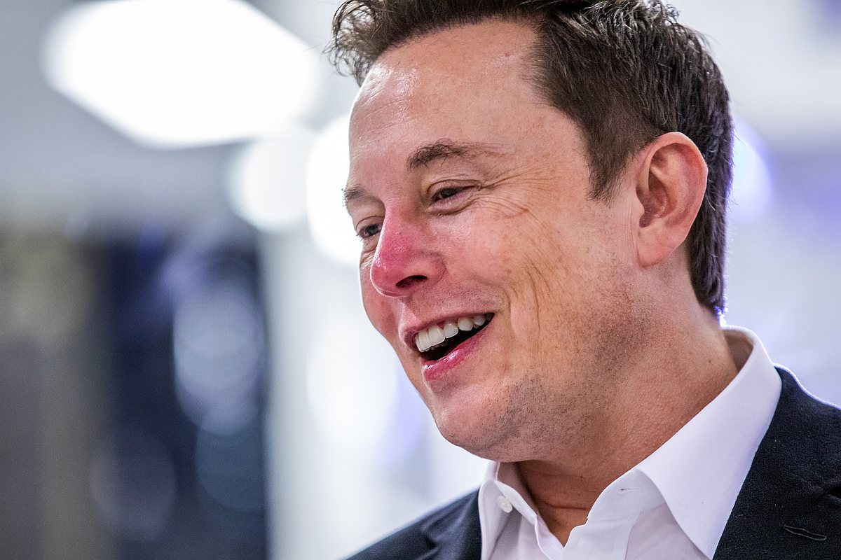Elon Musk regularly purges his phone for 'security purposes'