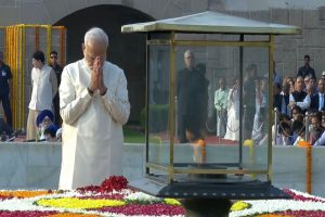 PM Modi leads nation in paying tribute to Mahatma Gandhi on his 150th birth anniversary
