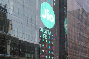 Jio Diwali offer: Unlimited calls, daily 2GB data, and lots more
