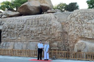 Clad in 'veshti', PM Modi welcomes Xi Jinping, gives him tour of temple complex in Mahabalipuram