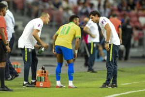 Neymar sidelined for four weeks after picking up hamstring injury