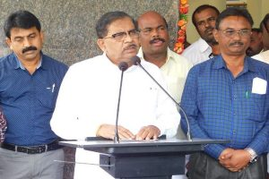 Rs 4.52 crores recovered in I-T raids on ex-Karnataka deputy CM G Parameshwara