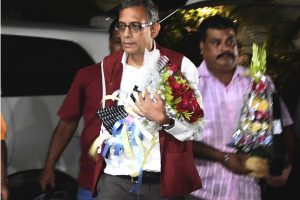 Abhijit Banerjee arrives in city to hero's welcome