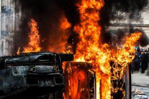 2 drivers of apple laden trucks shot dead by terrorists in Shopian