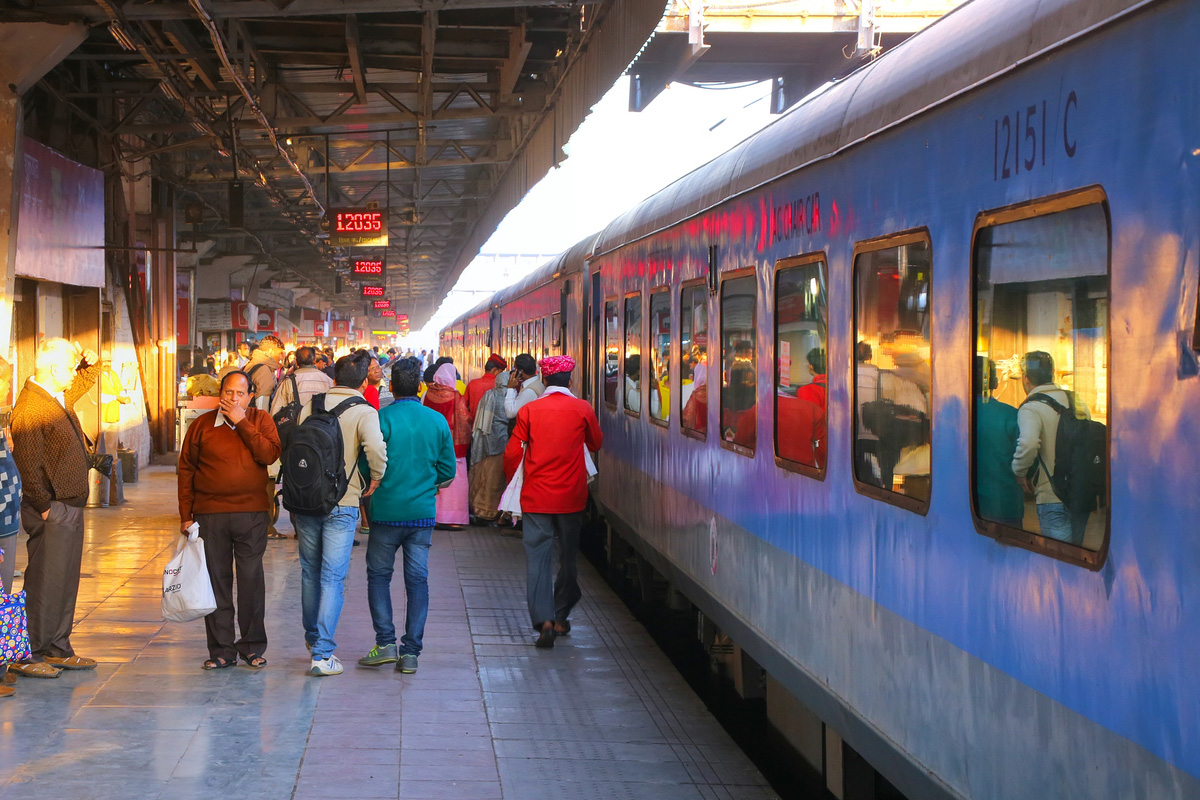 Railways, Gujarat, Maharashtra, Dipawali, Christmas, Western Railways, Jammu and Kashmir, Bihar, Uttar Pradesh, West Bengal, Madhya Pradesh, Karnataka, Tamil Nadu
