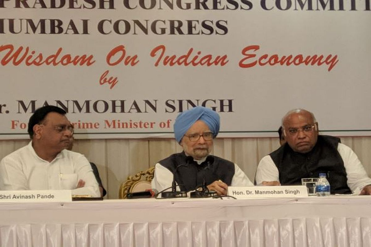 Govt obsessed with trying to fix blame on opponents: Manmohan Singh in comeback to FM