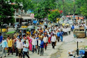 Telangana bandh cripples normal life as transport strike enters 15th day; oppn backs it