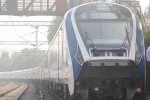 Varanasi-Delhi Vande Bharat Express develops technical snag, passengers stranded for an hour