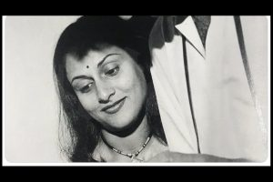 Amitabh Bachchan shares unseen pic of 'better half' Jaya on Karwa Chauth