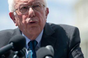 US Senator Bernie Sanders suffers heart attack, cancels election campaign