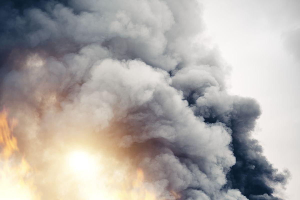 Uttar Pradesh, Gas cylinder blast, building collapse, 11 dead, several injured, Mau, Yogi Adityanath,