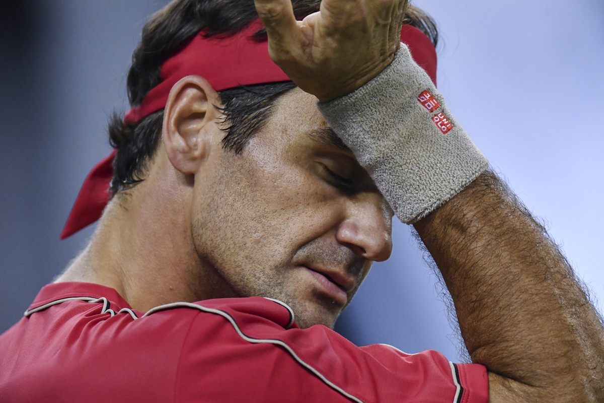 Shanghai Masters: Federer loses cool, argues with umpire after code violation | WATCH VIDEO