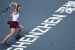 WTA Finals: Simona Halep rallies to beat Bianca Andreescu, Elina Svitolina eases past Karolina Pliskova