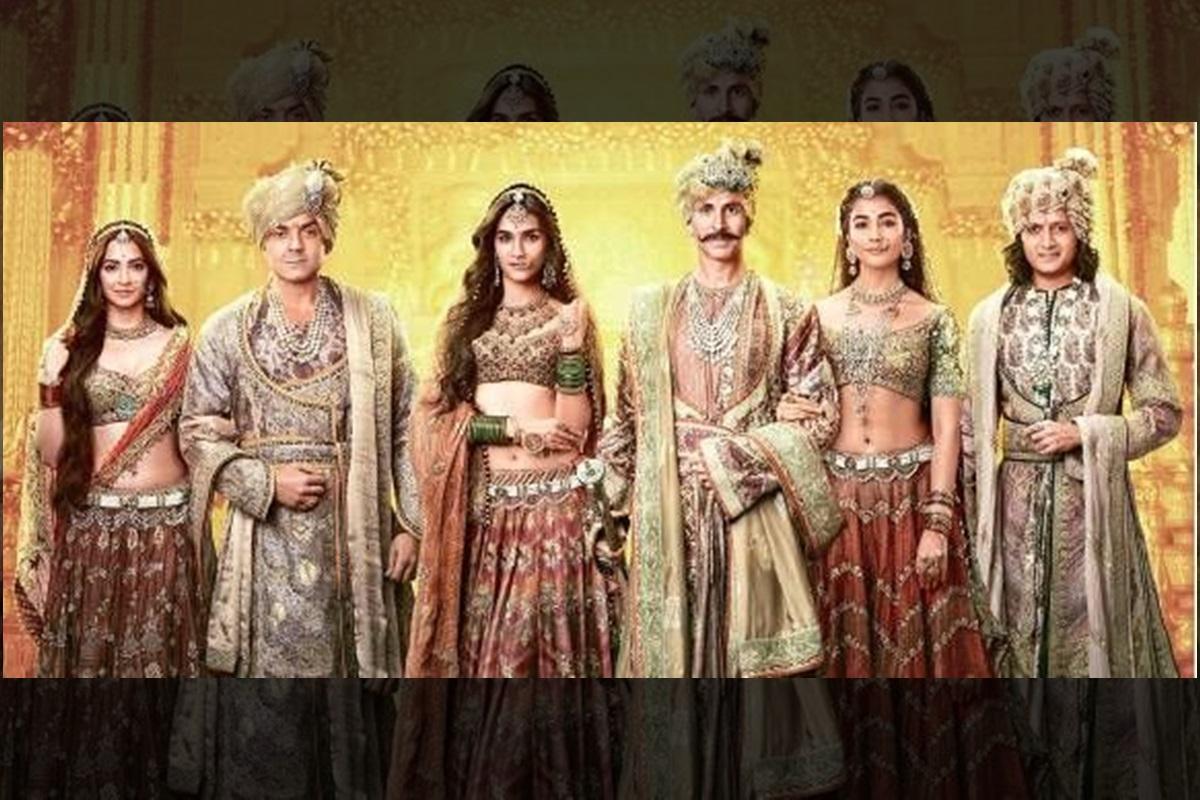 Kriti Kharbanda, Akshay Kumar, Riteish Deshmukh, Bobby Deol, Kriti Sanon, Pooja Hegde, Sajid Nadiadwala, Fox Star Studios, Housefull 4