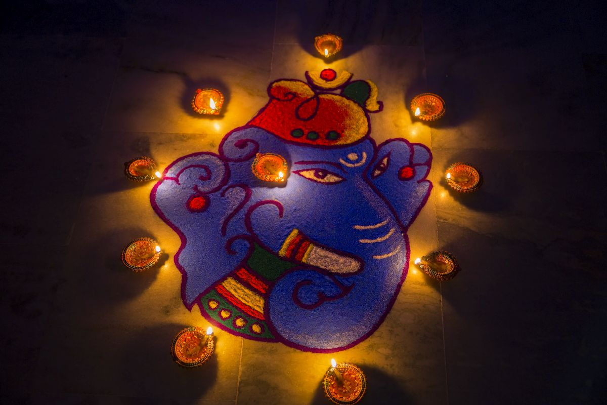 Diwali 2019, Rangoli designs, Diwali shopping, Rangoli Patterns, Shubh Deepavali, Latest Rangoli Designs, Simple Rangoli designs, festive season, Diwali rangoli designs, Diwali feels, Diwali