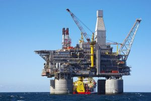Crude oil future plunges on passive global cues